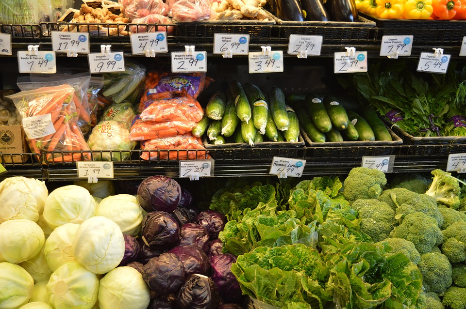 Grocery vegetables-1100198_960_720.jpg